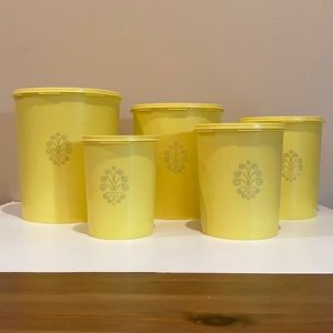 Vintage Tupperware  5 piece canister set with lids